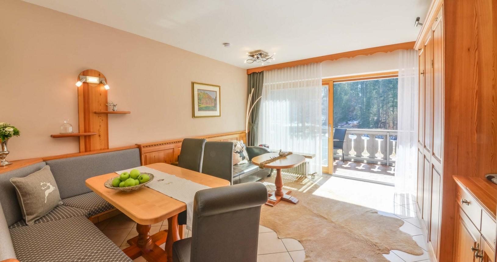 Grainau Apartments schöne Wohnzimmer Terrasse